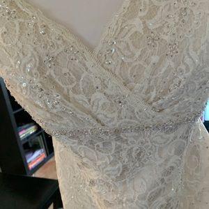 David's Bridal wedding gown size  Women's 22